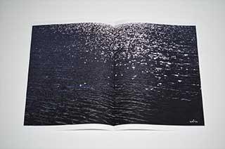 wave-bokeh-darkblue-minimalism-copyright-2013-arha-Tomomichi-Morifuji-s