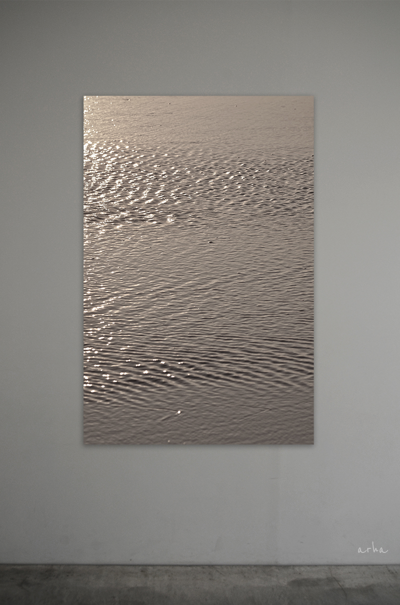 The-surface-of-bronze-gold-water